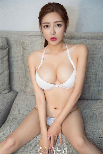 Hot and sexy big boobs photos of beautiful busty asian hottie chick Chinese booty model Wu Mei Xi photo highlights on Pinays Finest sexy nude photo collection site.