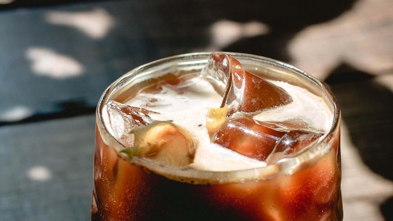 Kenapa Minum Coca Cola di McDonalds Terasa Nikmat?