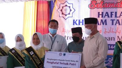 Gubernur Sumbar Serahkan Sertifikat Hafidz Quran di PontrenMu Kauman