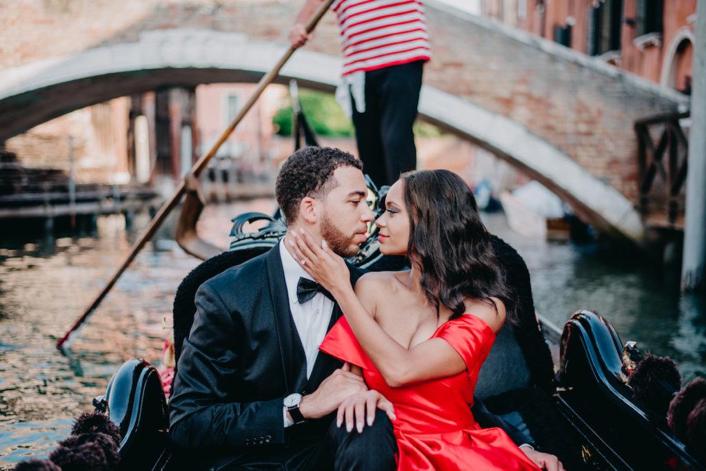 Italy Romantic Gondola Couple DP