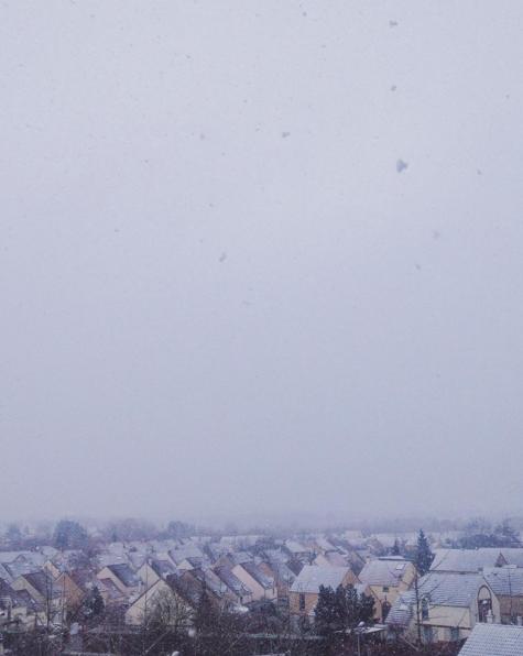 neige toits de maison