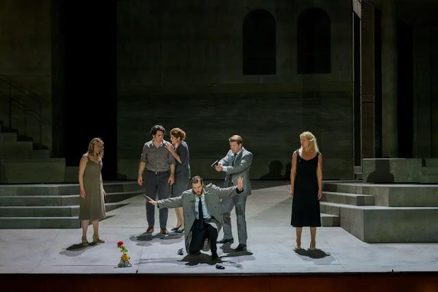 Mozart: Don Giovanni - Elena Dresig, Mikhail Timoshenko, Nicole Car, Philippe Sly, Stanislas de Barbeyrac, Jacquelyn Wagner - Paris Opera (Photo Charles Duprat / OnP)
