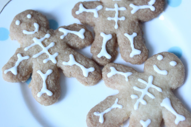 Easy Autumn Baking Recipes - Skeleton Shortbread Biscuits