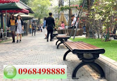 Ghế công viên được sử dụng rộng rãi tại các địa điểm công cộng