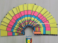 Logo Gioca e vinci gratis con un amico un colorato kit post it