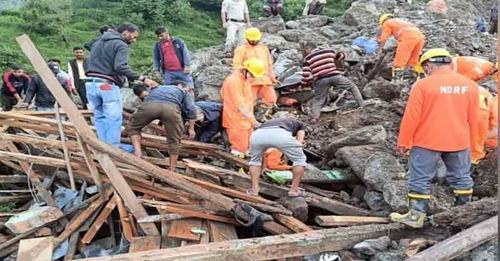 धर्मशाला बारिश का कहर-मलबे के ढेर से जिंदा निकाले दो मासूम, रेस्क्यू ऑपरेशन जारी