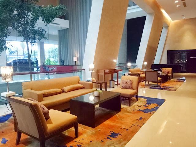 lobby hotel hilton bandung