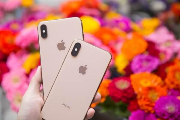 شعبية iPhone XS Max تتغلب على iPhone XS