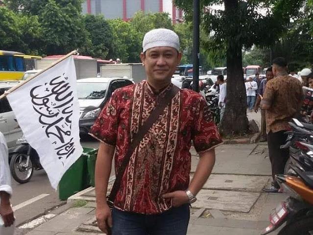 Kritik Keras Jokowi, Denny Siregar: Beras Habis, Listrik Gak Mampu Bayar, Tidak Ada Kerjaan