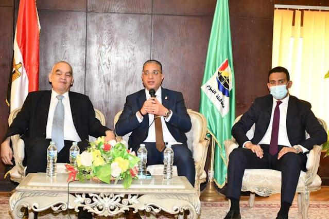 محافظ الفيوم ورئيس هيئة قضايا الدولة يشهدان الندوة التثقيفية للعاملين