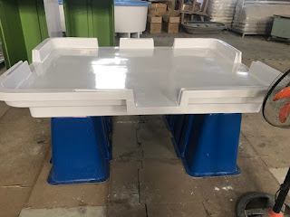 Bàn phân loại thủy sản composite