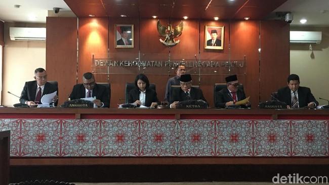 Pengurus KPU Dari Partai Gerindra Tertangkap Basah Sembunyikan Data