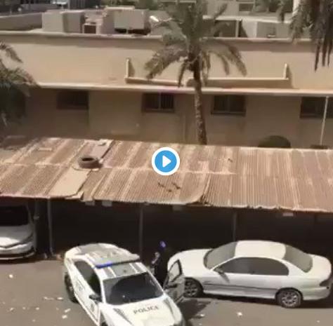 فيديو موقف ملهم بالتسامح لرجل أمن في الكويت