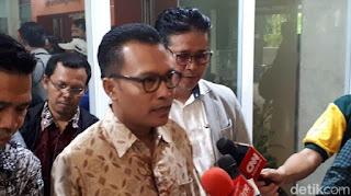 Balas Megawati, Iwan Sumule: Milenial Belum Pernah Jual Aset Negara, Ampuni Koruptor dan Ambil Alih Presiden