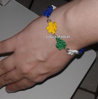 flor crochê, pulseira flor crochê, flor verde, amarela, azul e branco, pulseira do Brasil