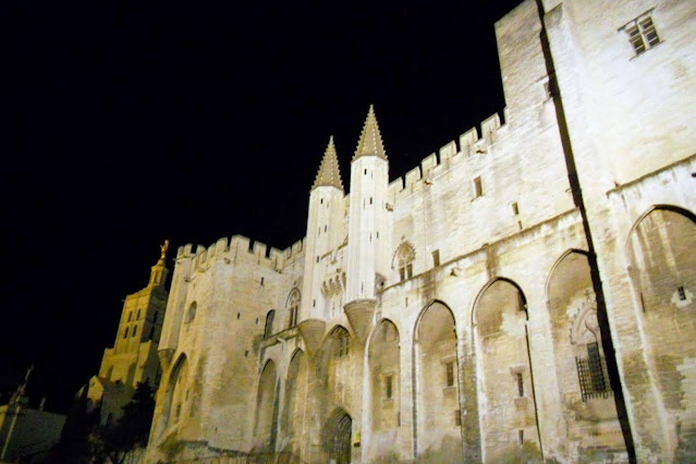 Christmas in Provence: Palais des Papes in Avignon