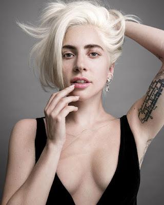 Lady Gaga pamer tatto di leangan