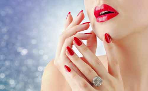 8 Famosos trucos de maquillaje para unos labios mas gruesos