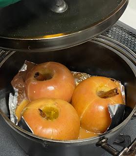 完成した焼きリンゴ