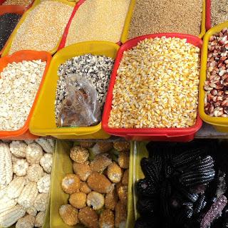 Variedade de Milhos do Mercado de San Pedro, em Cusco