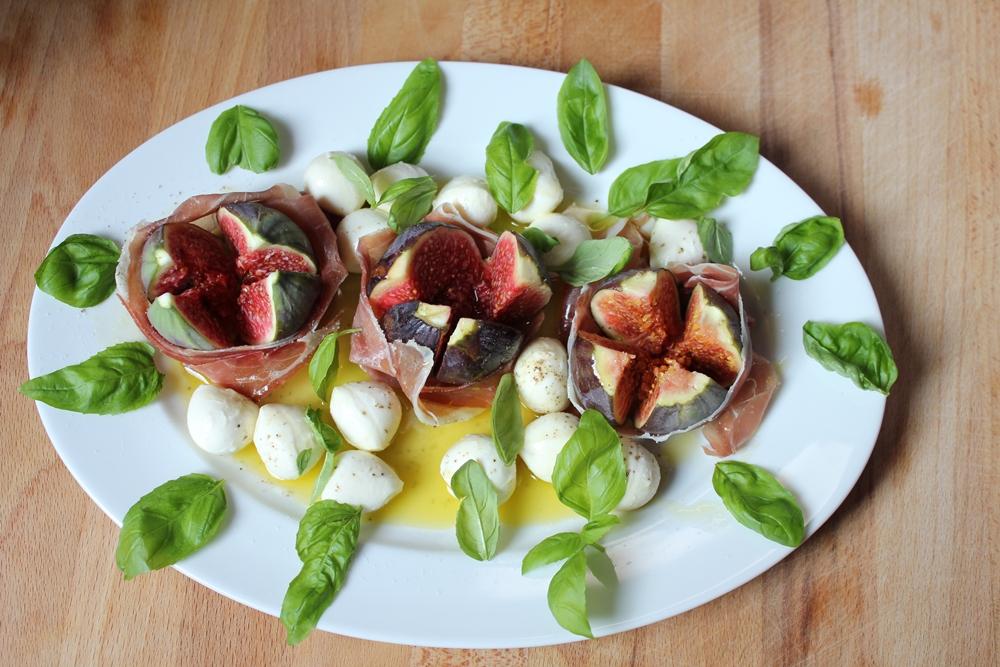 wolkenfees k chenwerkstatt feigen mozzarella salat nach jamie oliver. Black Bedroom Furniture Sets. Home Design Ideas