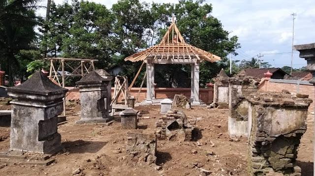 Sesalkan Perusakan Makam Kuno Dezentje. FBM Siap Tempuh Jalur Hukum