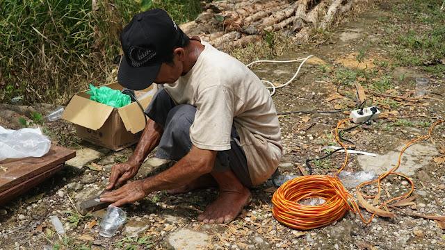 Indul Lebih Pentingkan Bantu TMMD di Desanya