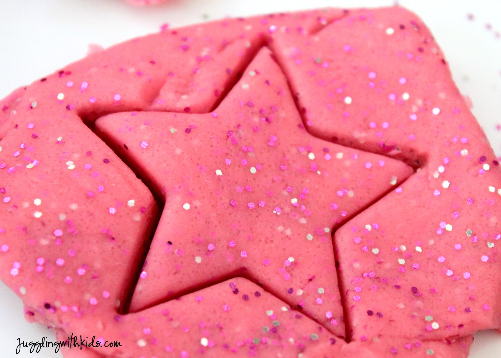 Pinkalicious Playdough Cupcakes Juggling With Kids