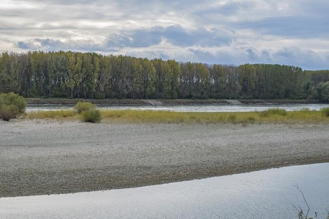 Uferstreifen / An den Ort des Verbrechens © Chris Zintzen @ panAm productions
