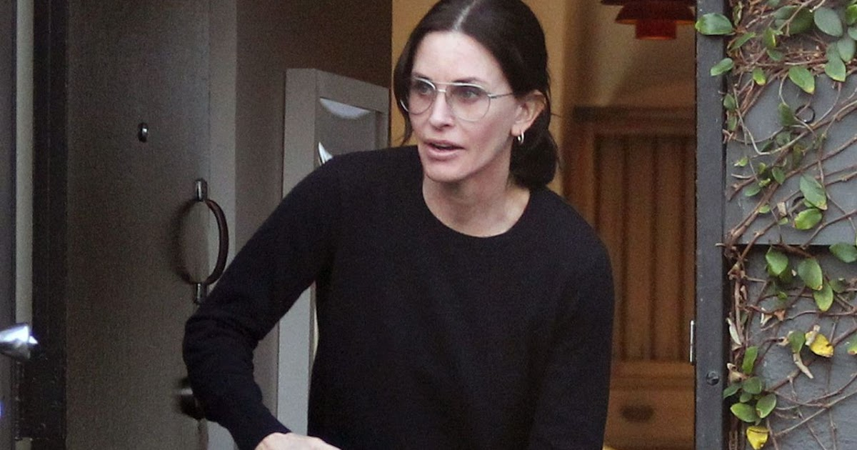 Courteney Cox - Leaving Galerie Half in Hollywood 12/17/2019