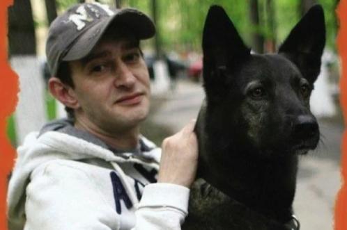 Сотрудники приюта твердили, что эту собаку не стоит брать, но Константин Хабенский не послушал их