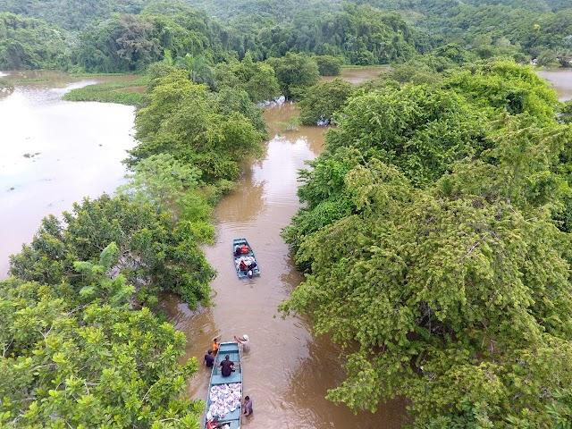 Instituciones oficiales dan asistencia humanitaria a cuatro comunidades  incomunicadas en el bajo Yuna