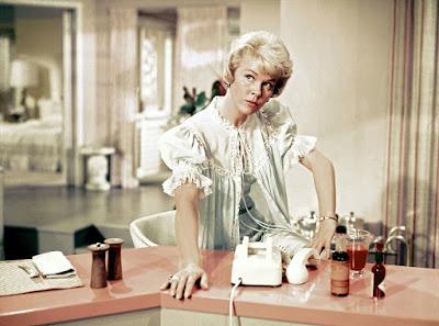 Doris Day em cena em 'Confidências à Meia-noite' (1959), filme pelo qual foi indicada ao Oscar — Foto: Divulgação