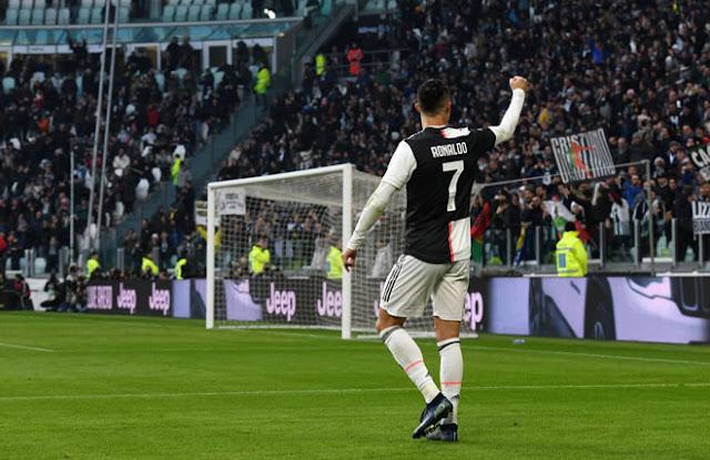 """Ronaldo lập hat-trick đầu tiên tại Serie A: Điểm 10 hoàn hảo, đón """"mưa"""" kỷ lục 2"""