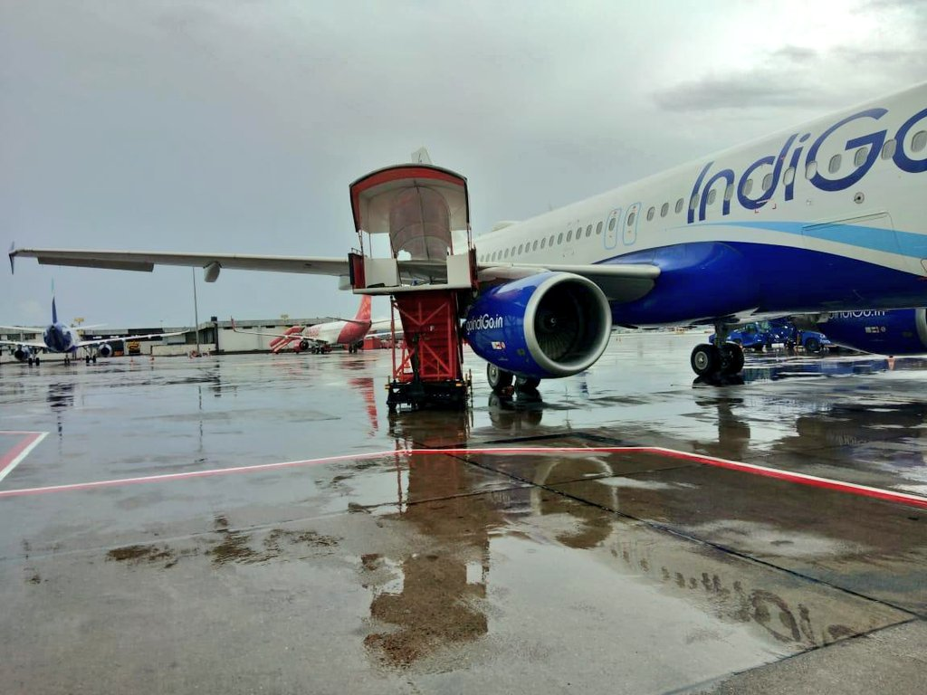 Ground Step Ladder of SpiceJet airlines crashed into an IndiGo Airbus A320 aircraft at Mumbai Airport.