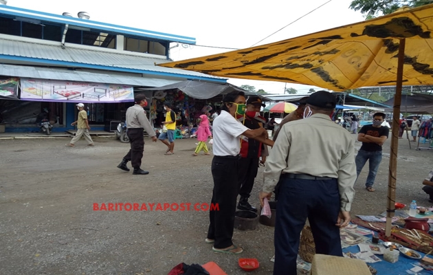 Cegah Kriminalitas, Polsek Teweh Tengah Patroli Pasar