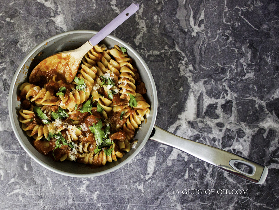 Fusilli Pasta with Roasted Red Pepper Sauce