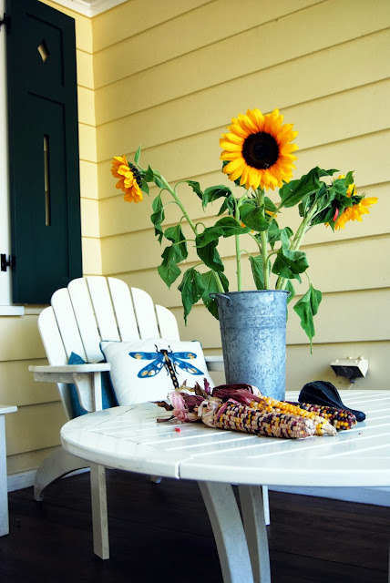 porch decorating ideas | front porch decorating ideas for fall and autumn http://schulmanart.blogspot.com/2013/09/fall-decorating-ideas-for-outside.html
