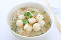 Bowl of fish balls with noodles