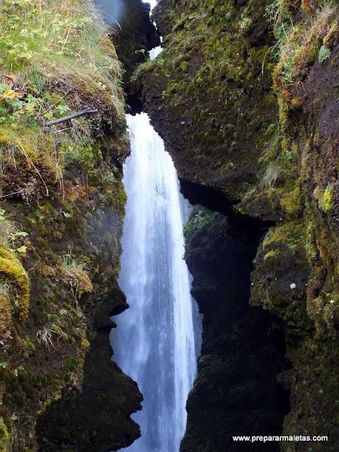 cascadas secretas en Islandia