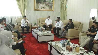 Bupati Eka Putra dialog dengan pengurus UPK Tanah Datar