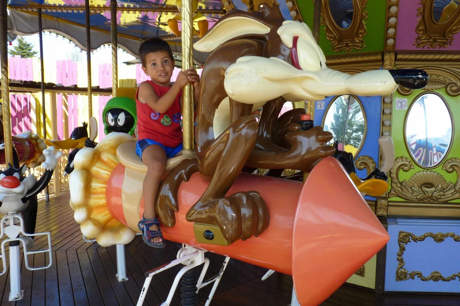 El Carrousel de los Looney Tunes.