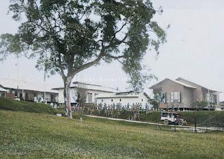 pintu masuk kamp militer tangsi barak tarutung tempo dulu
