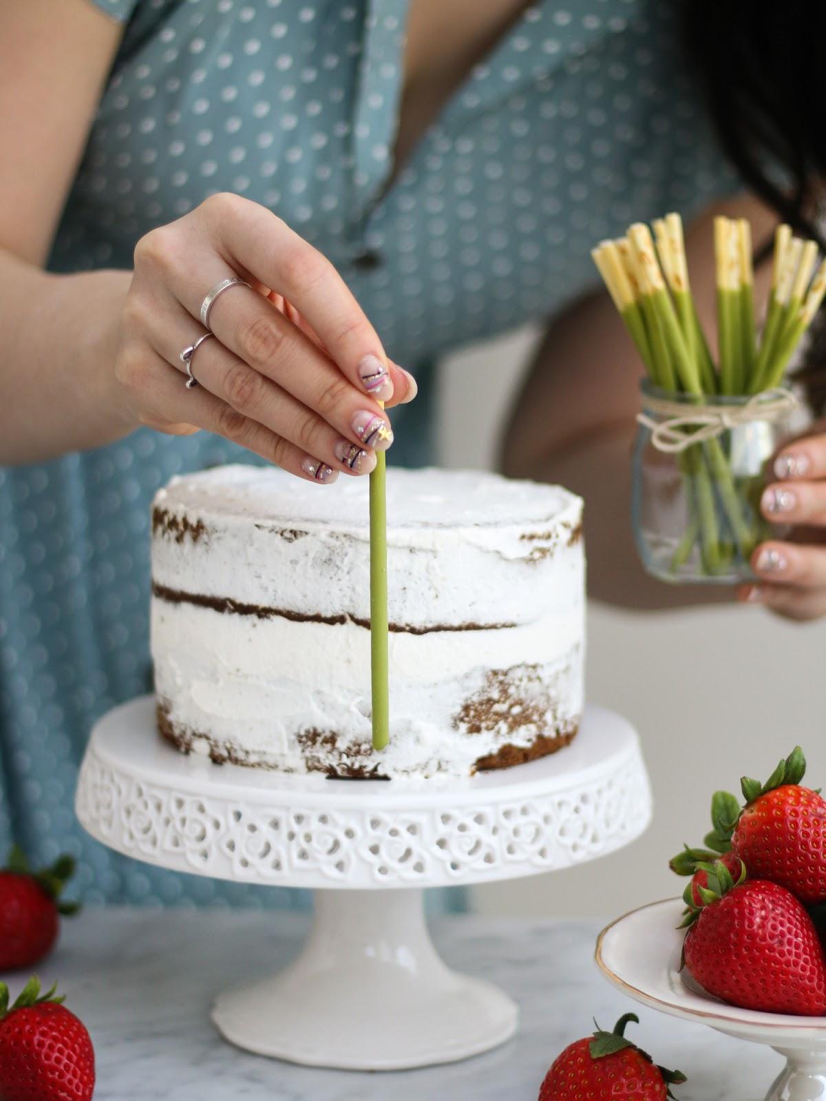 Гифы тортик, надписями