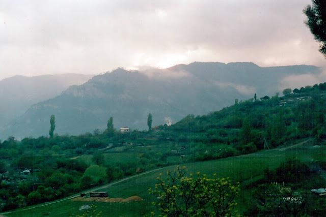 Вид с нашей стоянки возле ущелья Уч-Кош