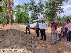 तुहामेटा में लोकपाल श्री घनाराम साहु ने निर्माण कार्यों का लिया जायजा | कार्यों का किया सरहना tuhameta panchayat