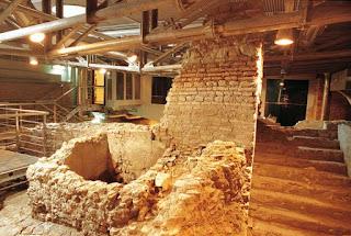 I sotterranei della Città dell'Acqua e la Fontana di Trevi
