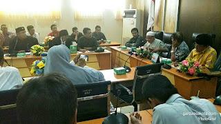 Tak Bisa Jual Sapi Ke Luar Daerah, Peternak Sapi Pulau Sumbawa Adukan Nasibnya Ke Komisi II DPRD NTB
