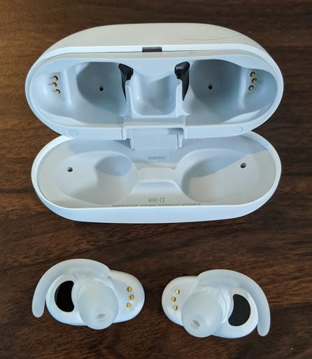 SONYのワイヤレスノイズキャンセリングステレオヘッドセット WF-SP800N