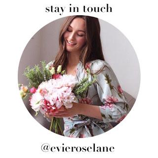 Instagram @evieroselane